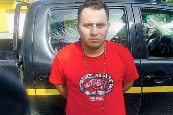César Armando Barahona Franco es sindicado de la muerte de al menos nueve personas en Izabal. (Foto Prensa Libre: PNC)