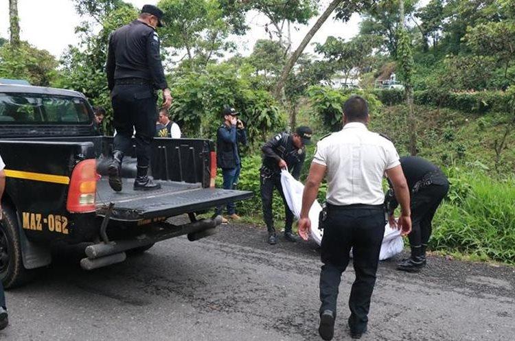 El cadáver de Darling Leticia Rodas Juárez, de 14 años, fue localizado en el camino de San Francisco Zapotitlán a Pueblo Nuevo, Suchitepéquez. (Foto Prensa Libre: Cristian I. Soto)