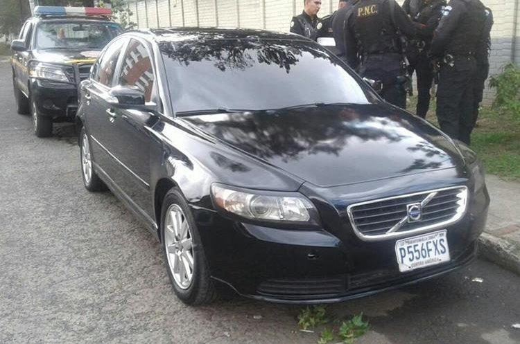 El vehículo donde se conducía el supuesto asaltante fue consignado por la Policía Nacional Civil. (Foto Prensa Libre: PNC)