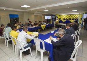 La Asamblea de la Liga Nacional se llevó a cabo en la Fedefut. (Foto Prensa Libre: Norvin Mendoza)