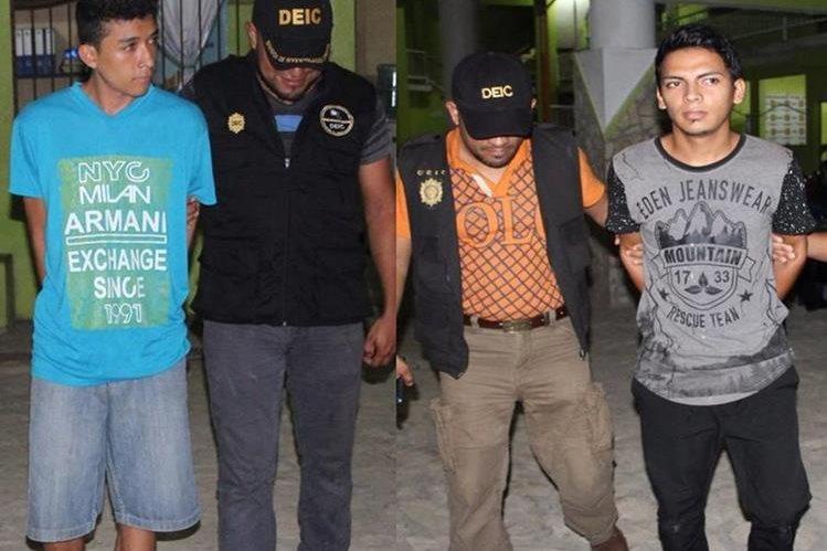 Capturados durante allanamientos en San Benito, Petén. (Foto Prensa Libre: PNC)