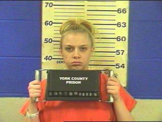 Amanda Warfel, 25, aceptó que molestó a su vecino al sostener relaciones íntimas ruidosas. (Foto tomada del sitio: www.ydr.com).