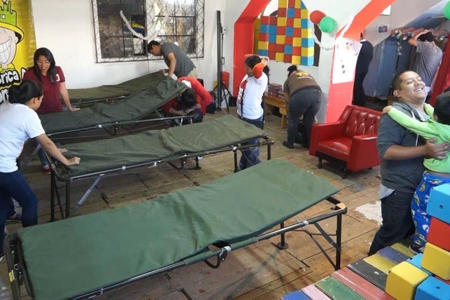 Victorio reunió a 27 personas para donar sangre al San Juan de Dios. (Foto Prensa Libre: David Castillo)