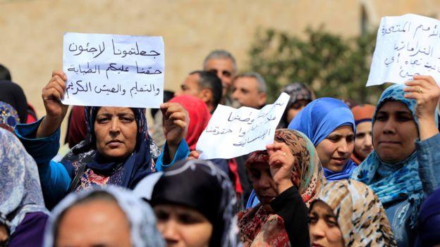 Los palestinos protestaron recientemente por su sufrimiento en Líbano. El Gobierno allí no les permite prácticamente recibir ayuda ni trabajar. GETTY IMAGES