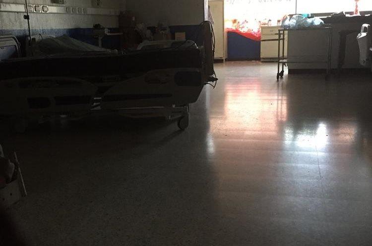 El área de intensivo que fue inaugurada en mayo está sin funcionamiento. (Foto Prensa Libre: Eduardo González)