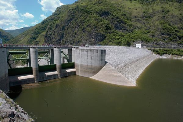 El informe señala un proyecto hidroeléctrico en Guatemala. (Foto Prensa Libre: Hemeroteca PL).