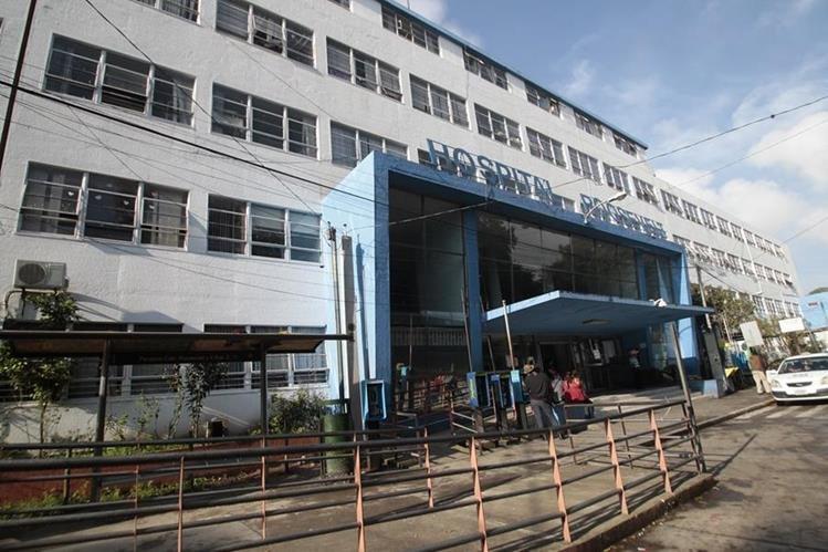 Un guatemalteco proveniente de Angola se escapó del Hospital Roosevelt cuando lo examinaban para determinar si padece de paludismo o malaria. (Foto Prensa Libre: Hemeroteca PL)