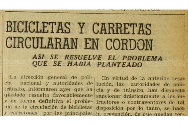 Autoridades  de tránsito informan que quedó resuelto el problema de la circulación  de bicicletas y carretas en la zona 1, el 8/5/1956. (Foto: Hemeroteca PL)