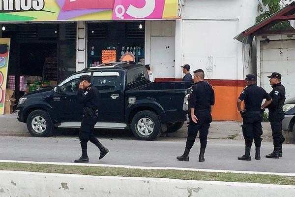 El ataque armado se registró en el barrio El Porvenir, San Benito, Petén. (Foto Prensa Libre: Rigoberto Escobar)