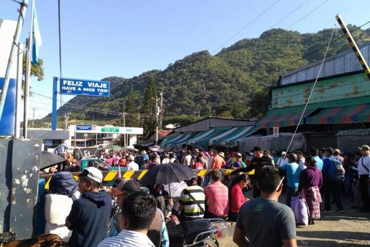 El CUC anuncia bloqueo en frontera con México. En la imagen un bloqueo en La Mesilla, Huehuetenango, en fecha no especificada. (Foto de archivo)