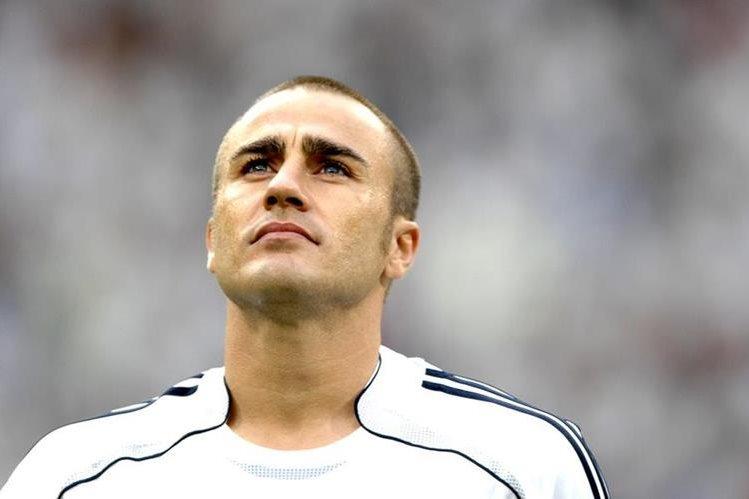 El italiano, Fabio Cannavaro defendió los colores del Real Madrid durante varios clásicos españoles. (Foto Prensa Libre: Hemeroteca PL)
