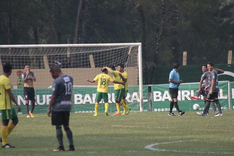 Guastatoya no perdonó al descendido Carchá y se quedó con los tres puntos. (Foto Prensa Libre: Eduardo Sam Chun)