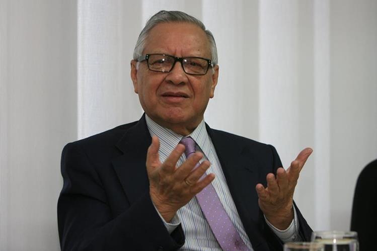 El presidente Alejandro Maldonado Aguirre emitió una circular para evitar el tráfico de influencias en el Ejecutivo. (Foto Prensa Libre: Hemeroteca PL)