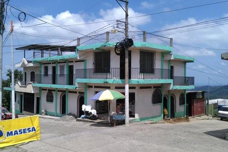 Una de las calles de El Quetzal, San Marcos, donde el servicio de alumbrado público fue suspendido. (Foto Prensa Libre: Alexánder Coyoy)
