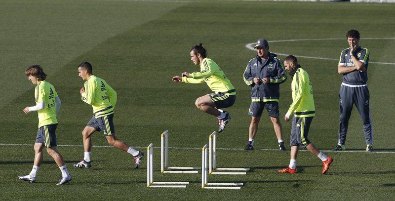 El Real Madrid está en una situación delicada en La Liga. (Foto Prensa Libre: EFE)