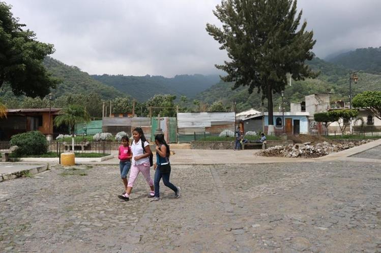 La plazuela de la Santa Catarina Bobadilla será remodelada este año. (Foto Prensa Libre: Julio Sicán)