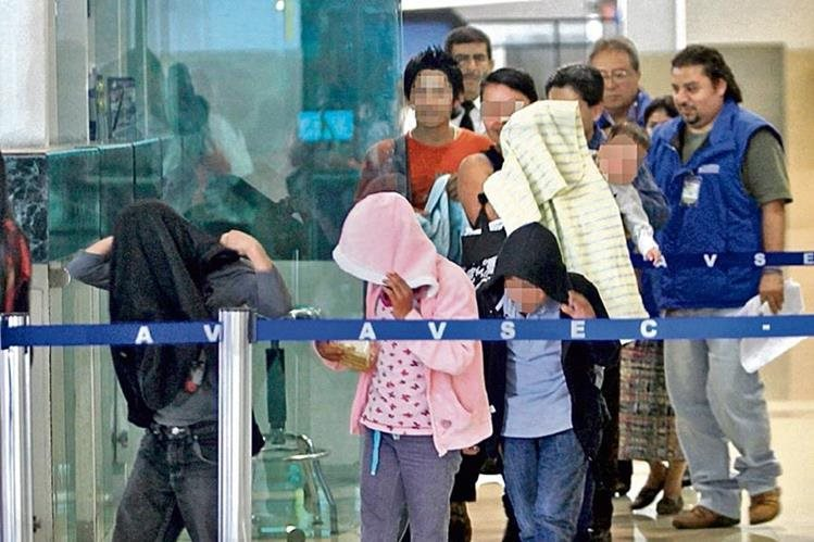 Durante 2015 fueron deportados 14 mil 52 menores de edad desde E.E. U.U. (Foto Prensa Libre: Hemeroteca PL)