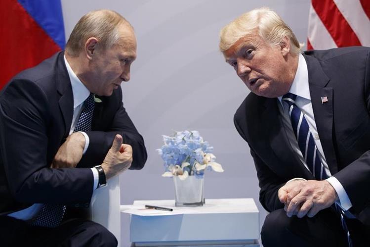 El portavoz de la Casa Blanca, Sean Spicer, dijo que Trump y Putin hablaron durante una cena de líderes mundiales en el G20.(AFP).