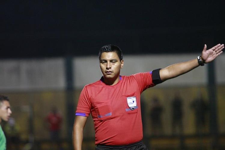 López será quien impartirá justicia en el juego entre Xelajú y Comunicaciones. (Foto Prensa Libre: Hemeroteca PL)