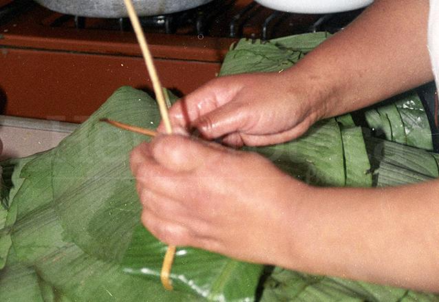 """El sibaque es la """"pita"""" con la que se amarra el tamal. (Foto: Hemeroteca PL)"""