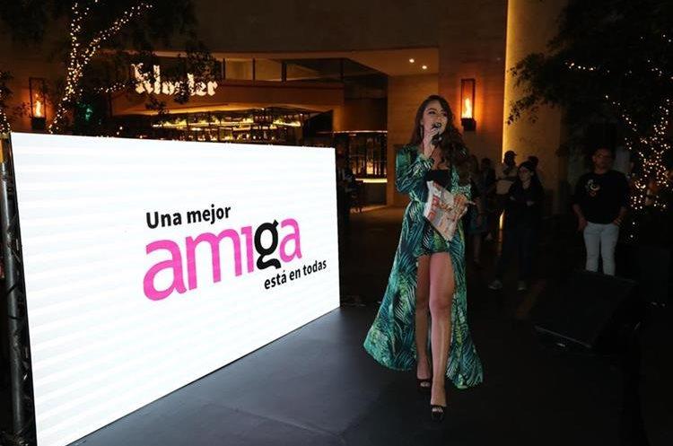 Loraine Quinto fue la anfitriona de la presentación  de la nueva imagen de Revista Amiga. (Foto Prensa Libre: Esbin García)