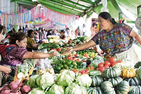 consumidores refieren que los precios de la canasta básica aumentaron y deben ajustarse.
