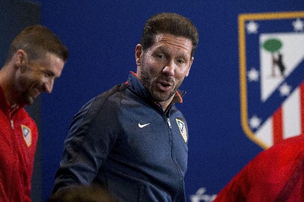 El estratega argentino, Diego Simeone esperar lograr un buen resultado contra el Bayern Munich. (Foto Prensa Libre: AP)