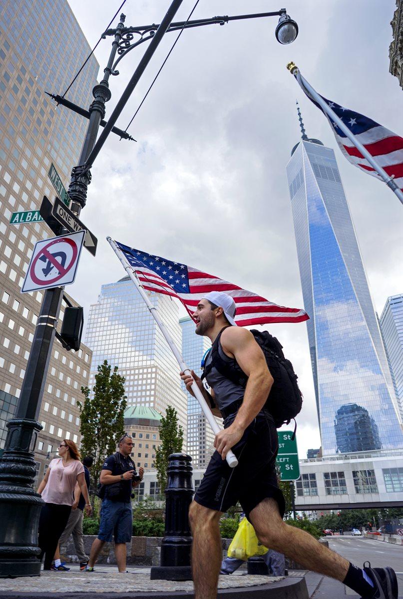 Nueva York recuerda con esperanza un día triste. (AP)