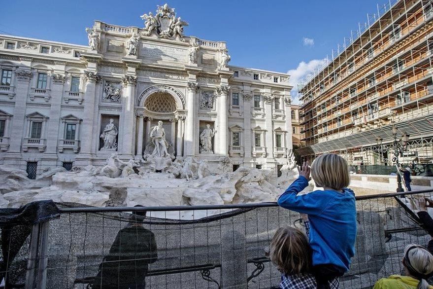 La Fontana de Trevi, en Roma, Italia uno de los destinos más visitados en el mundo. (Foto Prensa Libre: EFE).