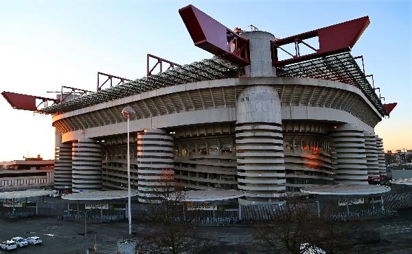 En el estadio de San Siro se disputará la final de la Liga de Campeones, en Milán. (Foto Prensa Libre: EFE)