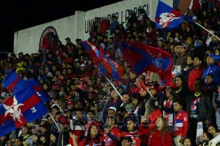 Los aficionados chivos abarrotaron el estadio Mario Camposeco. (Foto Prensa Libre: Pagina Xelajú MC)