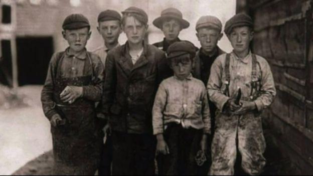 El trabajo infantil estaba extendido por igual en fábricas, en las minas y en el campo. (Foto: Lewis Hines / Cortesía del Archivo Nacional de Estados Unidos)
