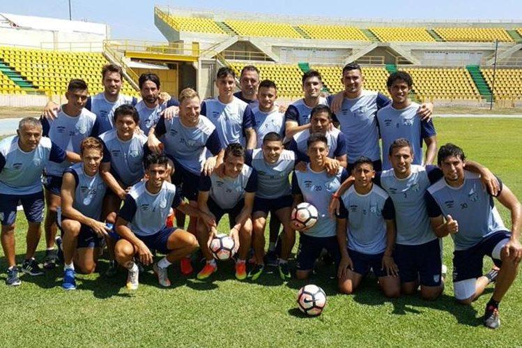 Fotografía después del entrenamiento de Atlético Tucumán. (Foto Prensa Libre: Twitter)