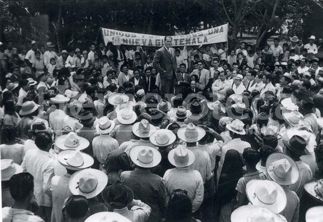 Mitin del Dr. Arévalo en 1944. (Foto: Hemeroteca PL)