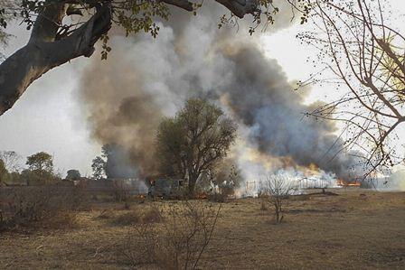 Fuerzas armadas destruyen una guarida de Boko Haram, en Nigeria. (Foto Prensa Libre: EFE