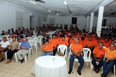 La actividad  se realizó el sábado por la noche en el salón Lewonsky, situado en la zona 1 de Retalhuleu. (Foto Prensa Libre: Rolando Miranda)