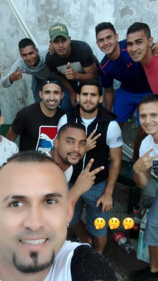 Los jugadores de Antigua GFC compartieron lejos de la cancha. (Foto Prensa Libre: José Pinto)