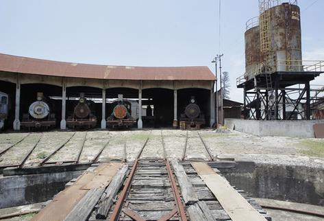 El tren de cercanías que será construido sobre las viejas vías sería uno de los proyectos bajo la figura de alianzas público privadas. (Foto Prensa Libre: Archivo).
