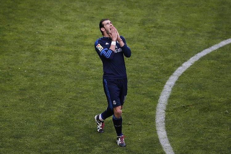 """El delantero galés del Real Madrid Gareth Bale ha negado tener problemas con su compañero Cristiano Ronaldo y ha asegurado que se llevan """"muy bien"""". (Foto Prensa Libre: EFE)"""