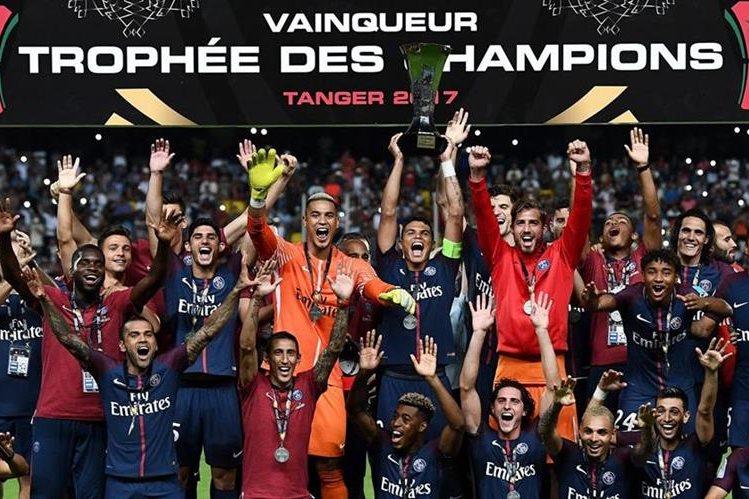 El PSG conquistó la supercopa francesa luego de haber vencido 2-1 al Mónaco. (Foto Prensa Libre: AFP).