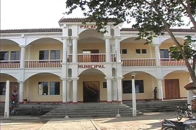 Según miembros del consejo municipal, Santos Calel ya no se presentaba al edificio municipal.(Prensa Libre. Héctor Cordero)