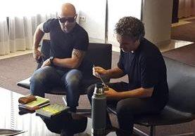 Sampaoli en el hotel donse se aloja a la espera del cierre de su contrato. (Foto Prensa Libre: EFE)