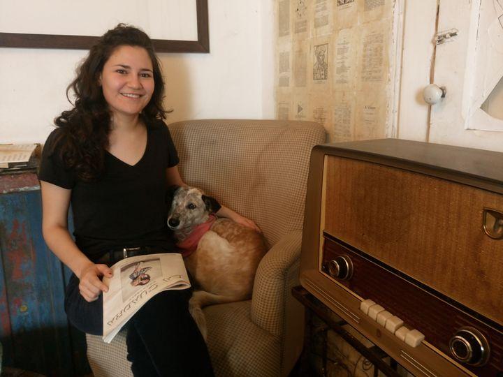 Ha compartido escenario con Gaby Moreno y Rubén Albarrán (Café Tacvba). Su mascota se llama Mosca, la cual adoptó en un refugio. (Foto Prensa Libre: José Luis Escobar).