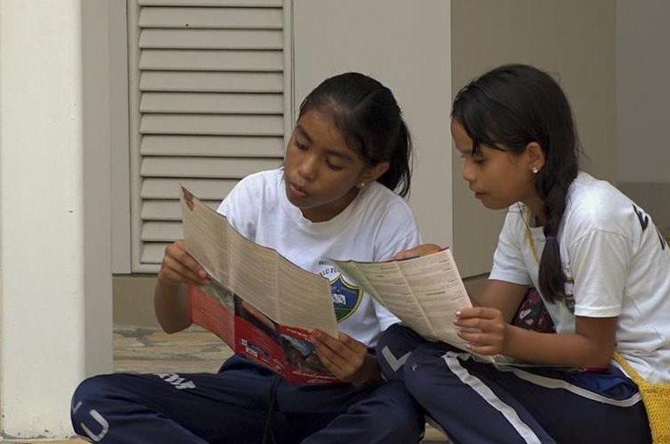 Acercamiento a niños de la Escuela Oficial Rural Mixta de la comunidad Ixlú. (Fotografía Prensa Libre: Alvaro González)