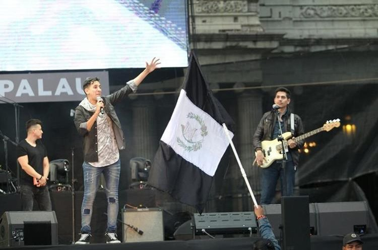 Festival Luis Palua convocó a varios guatemaltecos para disfrutar de un concierto cristiano. (Foto Prensa Libre: Erick Ávila)