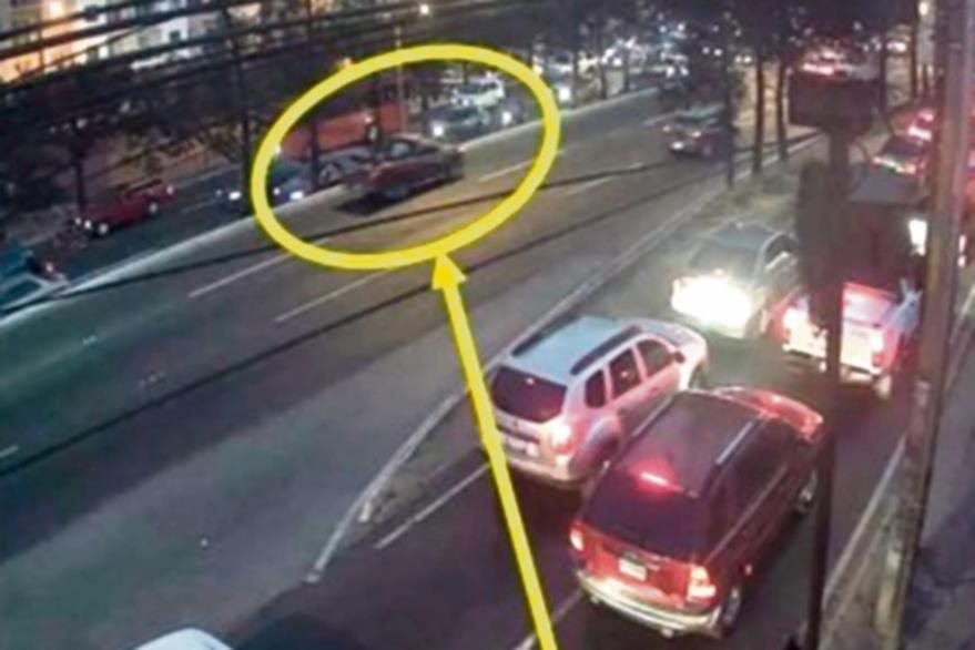 A las 18.20,  el vehículo es captado en la entrada de Villa Linda III.