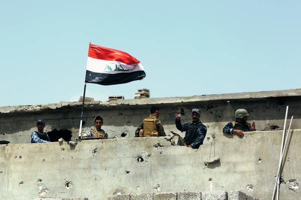 Fuerzas de seguridad iraquíes  buscan a combatientes de yihadistas en Tikrit, (Foto Prensa Libre:AP)