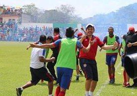Xelajú MC disfruta de avanzar a la final luego de empatar en Sanarate.