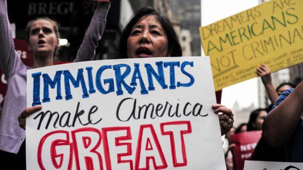 """Según Trump, 700.000 """"dreamers"""" se beneficiarían de su reforma migratoria. AFP"""
