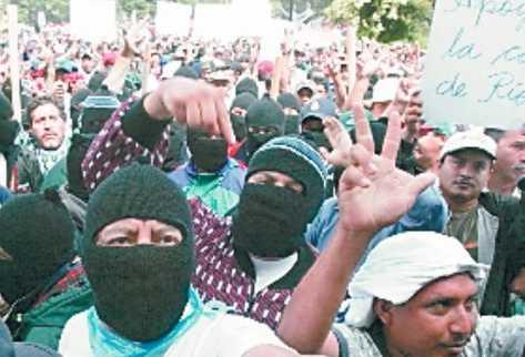 Protesta de simpatizantes del FRG en el llamado Jueves Negro. (Foto Prensa Libre: Archivo)